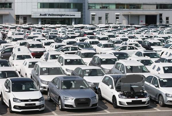 Cuối năm, ô tô nhập khẩu tăng đột biến