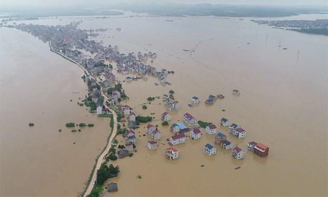 Thời tiết xấu ở Trung Quốc khi lũ lụt dâng cao ở 71 con sông