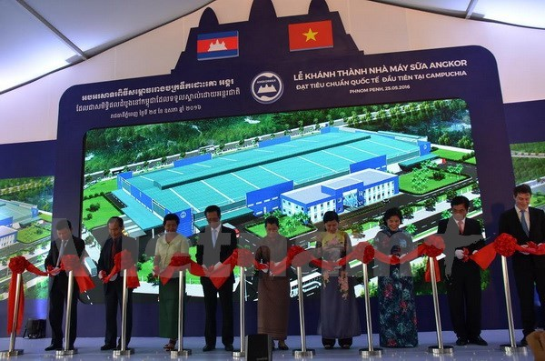 Campuchia khánh thánh nhà máy sữa liên doanh với Việt Nam