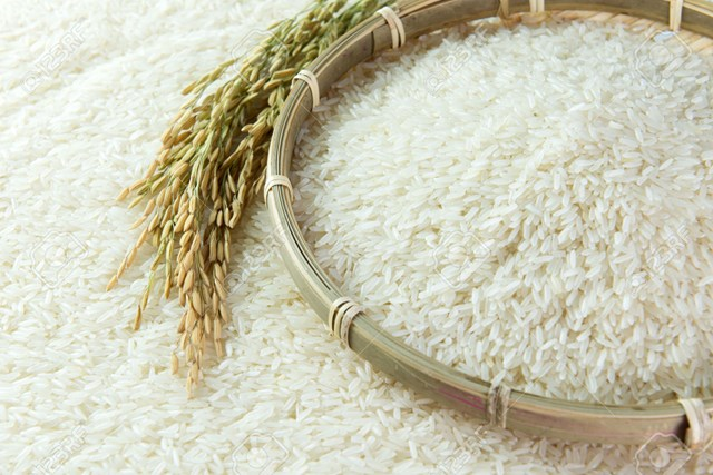 Giá gạo Thái Lan tăng, gạo Việt Nam vững