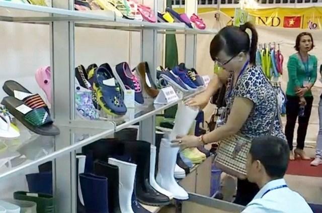 500 doanh nghiệp tham gia triển lãm quốc tế về Da giày Việt Nam 2016
