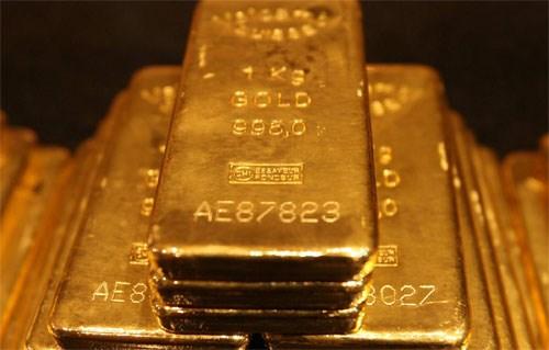 Giá vàng giảm sau khi GDP quý II của Mỹ điều chỉnh tăng mạnh