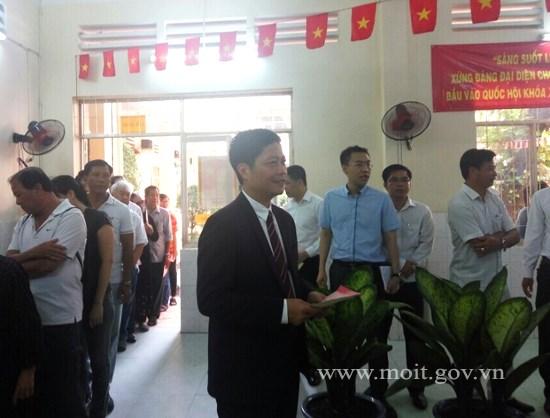 Lãnh đạo Bộ Công Thương tham gia bầu cử đại biểu Quốc hội khóa XIV