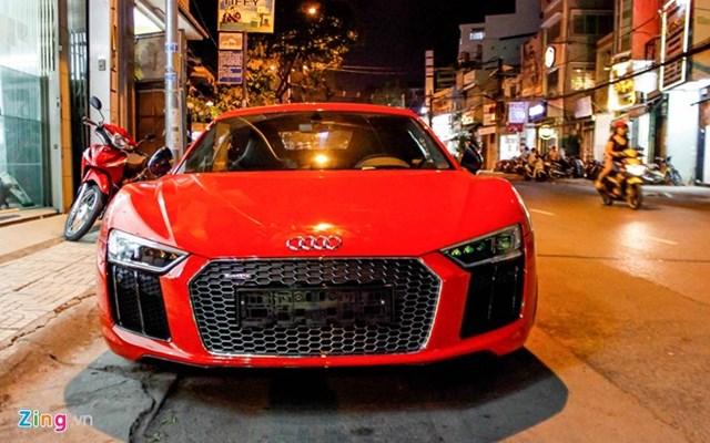 Siêu xe Audi R8 V10 Plus về tay thiếu gia Phan Thành
