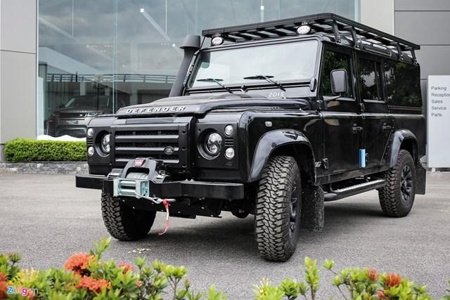 Xe off-road Land Rover Defender hơn 2 tỷ về Việt Nam