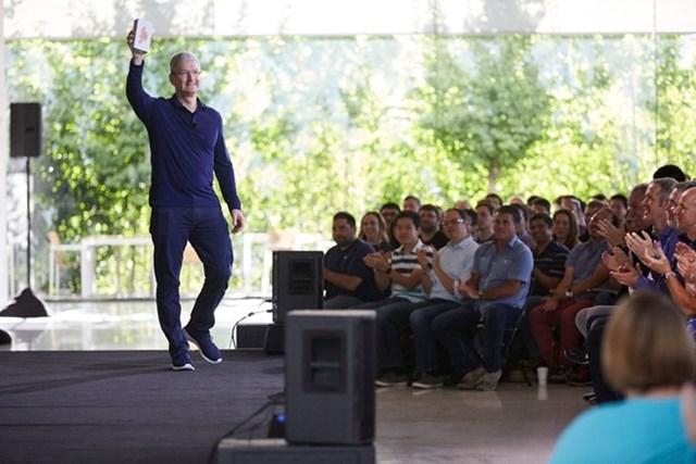 Apple đã bán được 1 tỷ iPhone