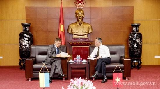 Thứ trưởng Trần Quốc Khánh tiếp Đại sứ đặc mệnh toàn quyền Ukraine tại Việt Nam