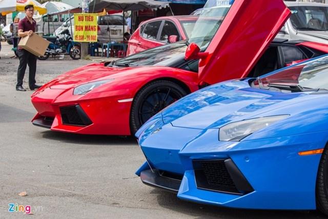Cặp đôi Aventador độc nhất Việt Nam so kè tốc độ