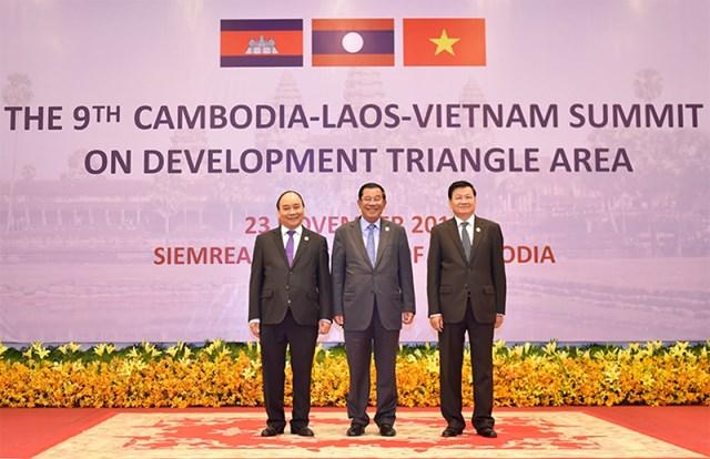 Thủ tướng Nguyễn Xuân Phúc dự Hội nghị cấp cao CLV lần thứ 9