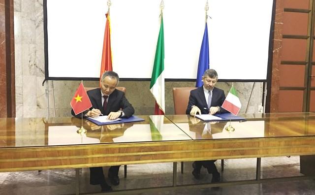 Việt Nam – Italia ký Biên bản về hợp tác kinh tế