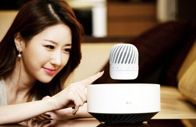 LG ra mắt loa Bluetooth lơ lửng