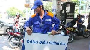 Xăng dầu tăng giá từ 15h ngày 18/2