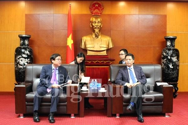 Bộ trưởng Bộ Công Thương tiếp xã giao Tổng giám đốc Doosan Vina