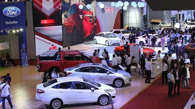 Vì sao ô tô nhập giảm mạnh bất thường, giá tăng đột biến thêm 300 triệu?
