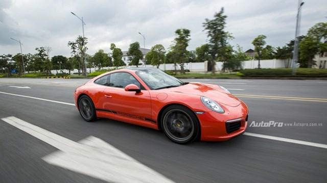 Porsche 911 Carrera giá 8,2 tỉ tại Việt Nam có gì hấp dẫn
