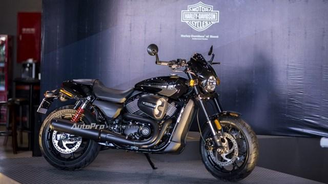 Cận cảnh Harley-Davidson Street Rod 2017 giá 415 triệu