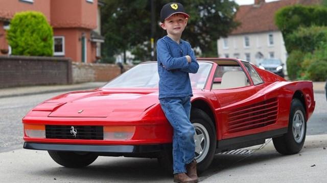 Diện kiến chiếc ô tô đồ chơi thuộc hàng đắt nhất TG, mang hình hài siêu xe Ferrari