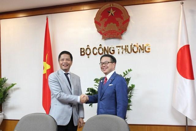 Bộ trưởng Trần Tuấn Anh hội đàm với Bộ trưởng Bộ Kinh tế, Thương mại và CN Nhật Bản