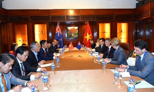 Bộ trưởng BCT làm việc với Bộ trưởng Phát triển KT, MT, TM và PTXK New Zealand