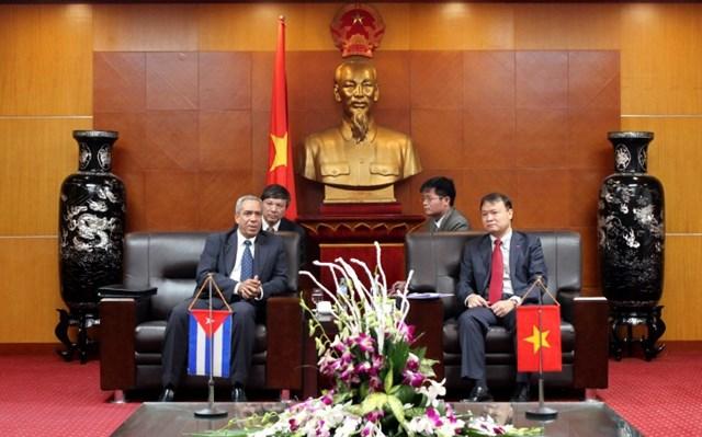 Thứ trưởng Đỗ Thắng Hải tiếp Thứ trưởng thường trực Bộ Ngoại thương và Đầu tư NN Cuba