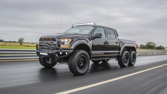 Ford F-150 Raptor hóa thành…quái thú 6 bánh