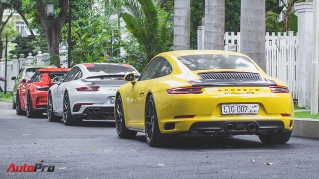 Cường Đô la cùng dàn Porsche sắc màu tụ tập tại Sài Gòn