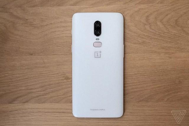 9 mẫu smartphone đập tan quan niệm chỉ màu đen mới đẹp