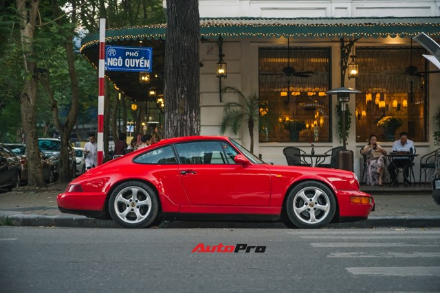 Porsche 964 Carrera 4 của ông Tây mang về Việt Nam 30 năm ra biển mới