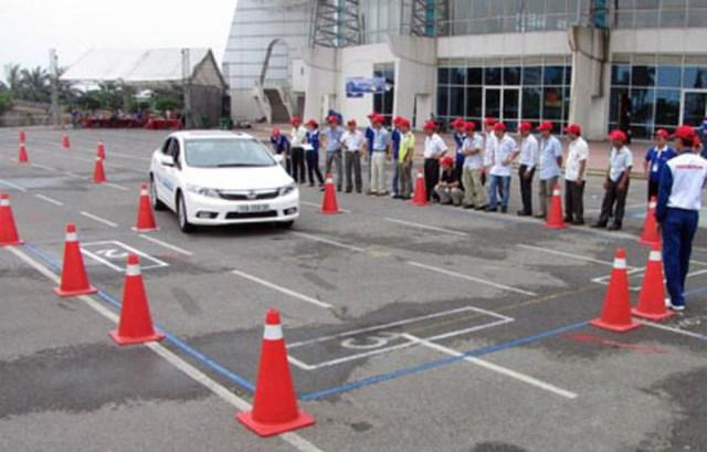 Bí quyết thi bằng lái xe ôtô đỗ 100%