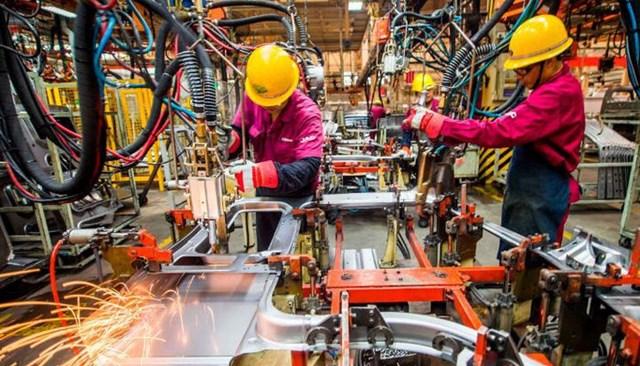 Tăng trưởng sản xuất của các nhà máy Trung Quốc giảm xuống mức thấp nhất 9 tháng