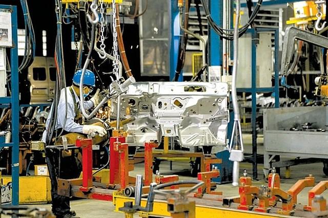 Trong 'tâm bão' Covid-19, công nghiệp chế biến, chế tạo vẫn trên đà khởi sắc