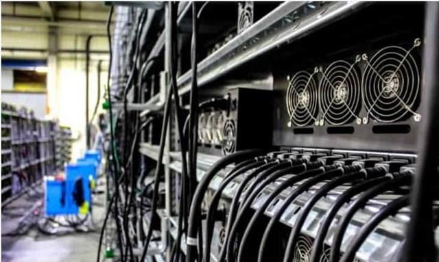 Khai thác Bitcoin bất ngờ tăng mạnh
