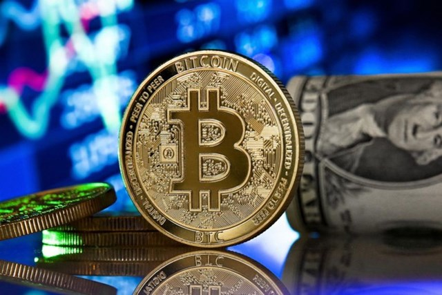 Giá Bitcoin quay đầu giảm vì nhà đầu tư chốt lời