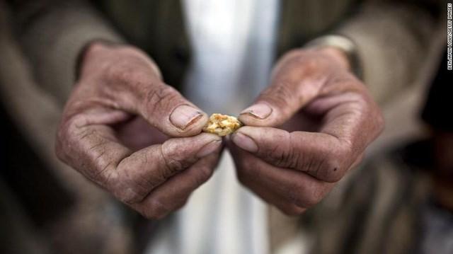 """Taliban đang ngồi trên """"đống vàng"""" trị giá 1.000 tỷ USD"""