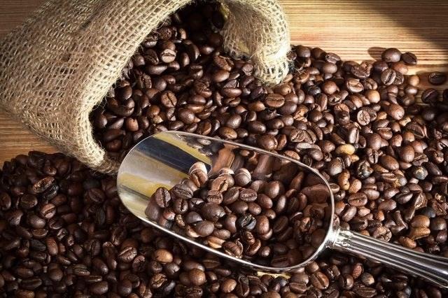 Giá cà phê ngày 22/8 lại quay đầu giảm nhẹ 100 đồng/kg