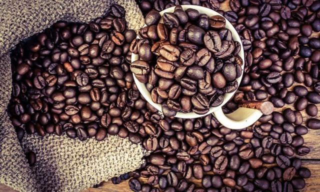 Giá cà phê ngày 14/8/2018 sụt giảm mất mốc 35.000 đồng/kg