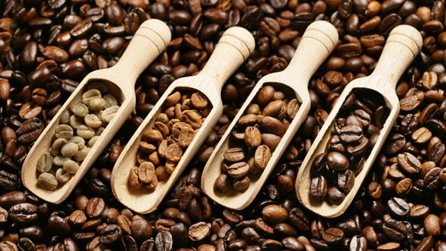 Giá đường thô ngày 07/12 giảm theo giá dầu, cà phê chạm mức thấp 2 tháng