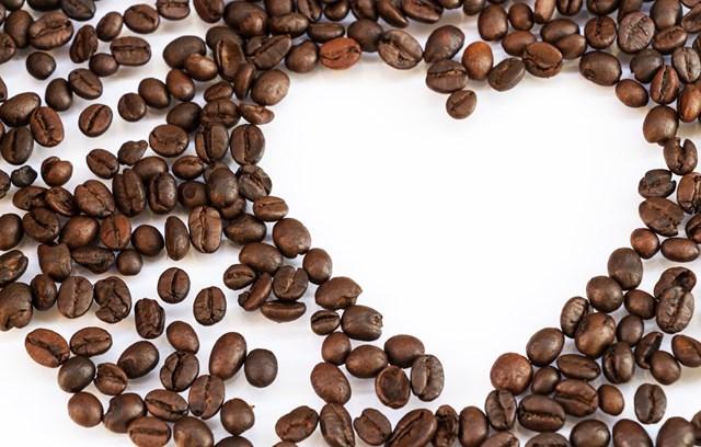 TT cà phê ngày 15/4: Giá nhiều tỉnh Tây Nguyên tiến sát mốc 33.000 đồng/kg