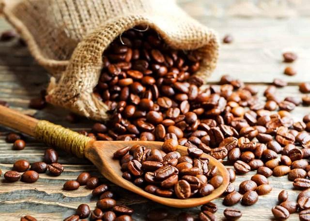 TT cà phê ngày 19/11: Giá lao dốc mạnh, Lâm Đồng mất mốc 33.000 đồng/kg