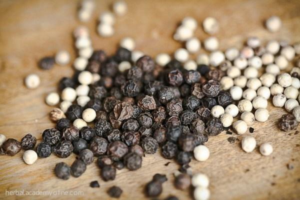 TT hạt tiêu ngày 19/11: Giá đồng loạt tăng 500 – 1.000 đồng/kg