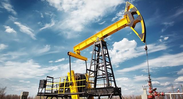 Giá dầu năm 2021 được dự báo tăng nhẹ do kinh tế thế giới khởi sắc