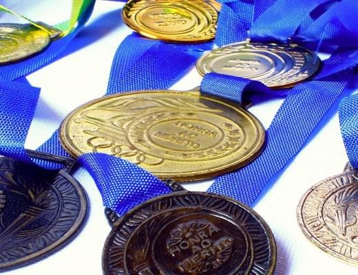 Nhật Bản làm huy chương Olympic 2020 từ điện thoại cũ