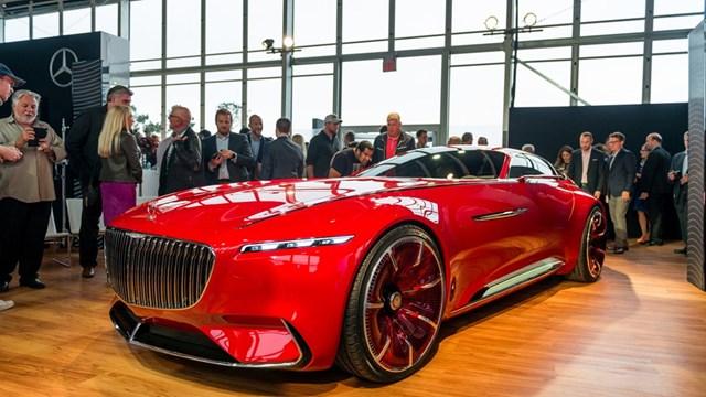 Thực tế Vision Mercedes-Maybach 6: siêu xe vượt thời gian