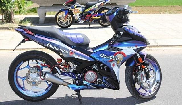 Exciter 150 sơn chuyển màu và lên đồ chơi của biker Phú Yên
