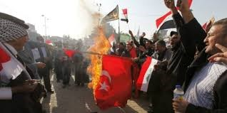 Người biểu tình chặn cảng hàng hóa của Iraq