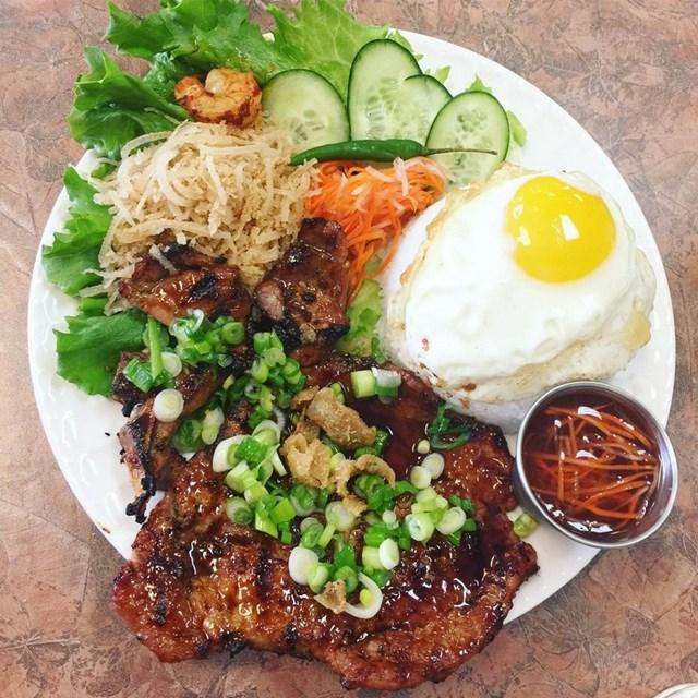 Nhớ lắm cơm tấm Sài Gòn