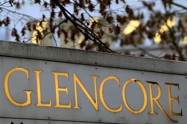 Glencore thuê tàu lớn nhất thế giới để lưu trữ dầu thô trên biển