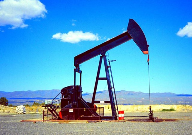 EIA: Dự trữ dầu thô của Mỹ tăng do nhập khẩu