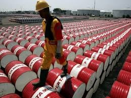 EIA: Tồn kho dầu thô Mỹ sụt giảm sau 9 tuần tăng
