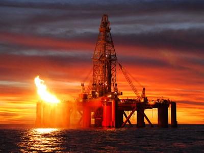 TT năng lượng TG ngày 27/2: Giá dầu giảm ngày thứ 5 liên tiếp, khí tự nhiên cũng giảm